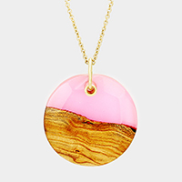 Half Clear Half Wood Patterned Round Resin Pendant Necklace