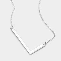 'L' Monogram Metal Pendant Necklace
