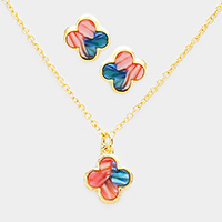 Quatrefoil Clover Celluloid Pendant Necklace