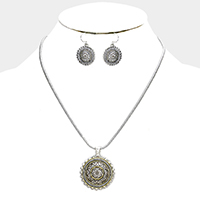 Filigree Round Metal Pendant Necklace
