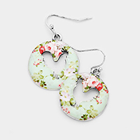 Cut Out Rooster Flower Patterned Disc Dangle Earrings