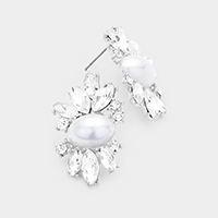 Oval Pearl Centered Leaf Earrings