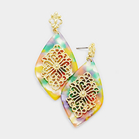 Filigree Centered Diamond Shaped Celluloid Acetate Earrings