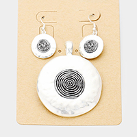 Swirl Metal Magnetic Pendant Set