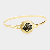 Shell Embossed Round Disc Hook Bracelet