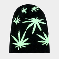 Maple Leaf Detail Solid Knit Beanie Hat