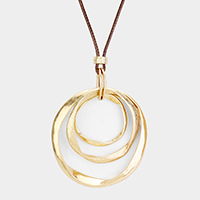 Multi Round Metal Pendant Necklace