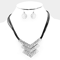 Triple V Linked Metal Cord Necklace