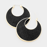 Cut out Round Pin Catch Earrings