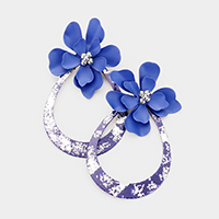 Painted Metal Cut Out Oval Flower Earrings