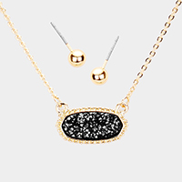 Druzy Oval Pendant Necklace