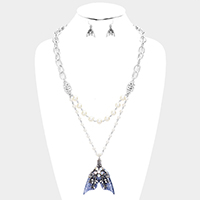 Double Strand Pearl Floral Detailed Fin Pendant Necklace