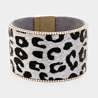 Metal Ball Trimmed Animal Texture Leather Magnetic Bracelet