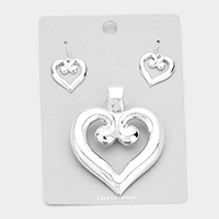 Metal Heart Magnetic Pendant Set