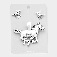 Metal Horse Magnetic Pendant Set
