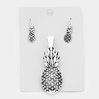 Metal Pine Apple Magnetic Pendant Set