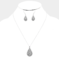 Crystal Embellished Filigree Metal Pendant Necklace
