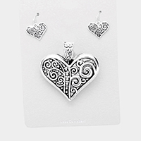 Embossed Metal Heart Magnetic Pendant