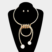Embossed Twist Metal Double Pearl Choker Necklace