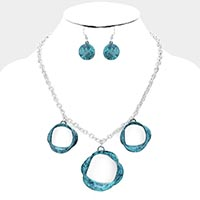 Hammered Bended Triple Open Circle Necklace