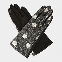 The Duchess Embroidery Smart Gloves