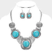 Antique Pattern Metal Turquoise Stone Decor Necklace