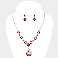 Edge Detail Teardrop Accented Rhinestone Necklace