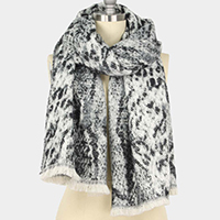 Spotted Pattern Oblong Scarf