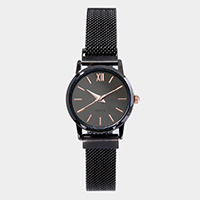 Metal Trim Round Dial Magnetic Band Watch