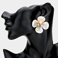 Triple Pearl Center Flower Earrings